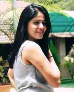 Akshaya Deodhar Phone Number